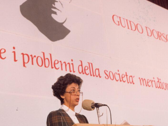 """Elisa Dorso al convegno """"Guido Dorso e i problemi della società meridionale"""", Avellino 22-24 ottobre 1987."""