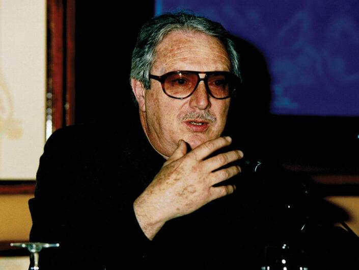 """Francis Pomponi al convegno """"Nelle province dell'impero"""", Avellino 10-13 aprile 2002."""