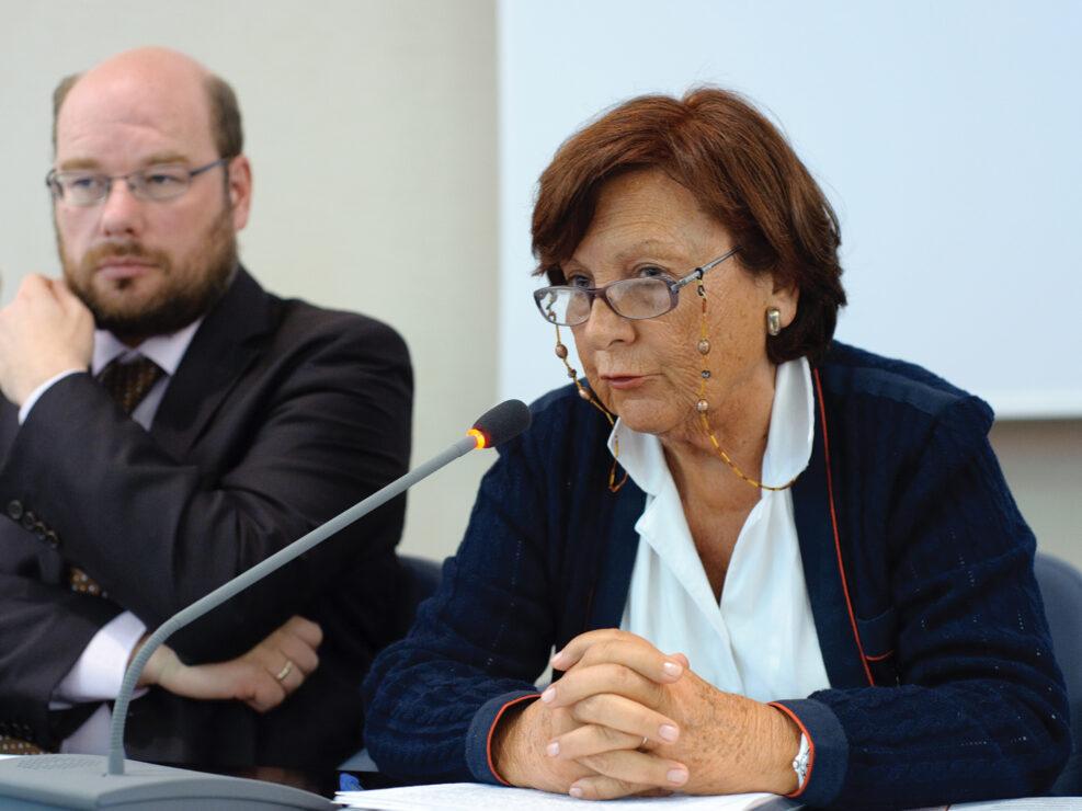 """Rick Peters e Magda Tomei al convegno """"Liberalismo, democrazia e socialismo dall'Unità d'Italia alla Carta costituzionale"""", Avellino, 14-15 ottobre 2010."""