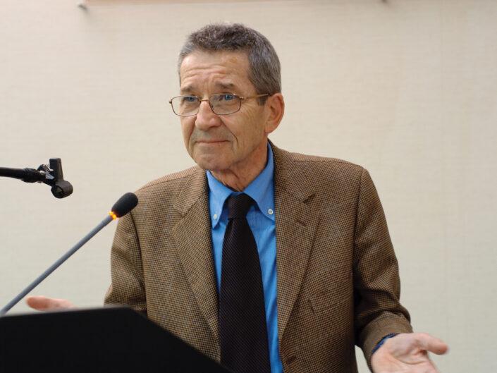 """Giuseppe Gavioli al convegno """"Liberalismo, democrazia e socialismo dall'Unità d'Italia alla Carta costituzionale"""", Avellino, 14-15 ottobre 2010."""
