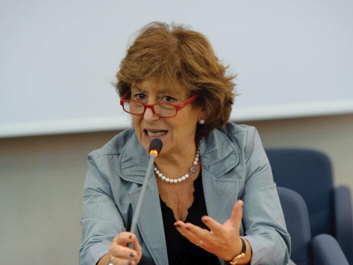 """Clementina Gily al convegno """"Liberalismo, democrazia e socialismo dall'Unità d'Italia alla Carta costituzionale"""", Avellino, 14-15 ottobre 2010."""
