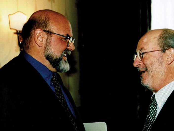 """Elio Sellino e Pierre Berthier al convegno """"Nelle province dell'impero"""", Avellino 10-13 aprile 2002."""