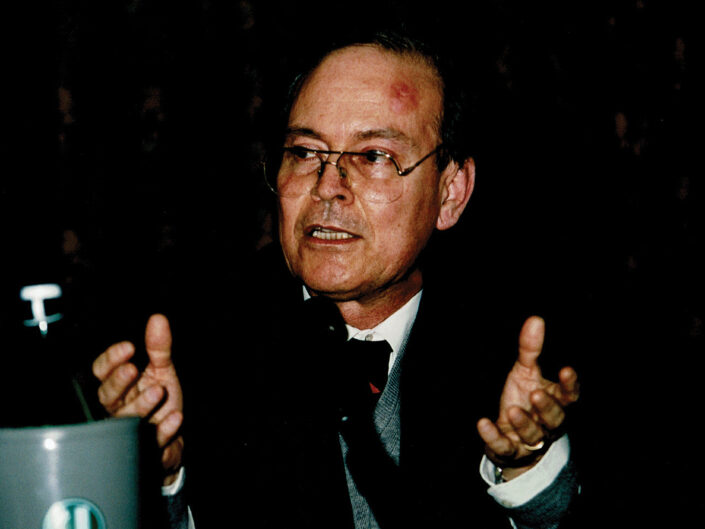 """Francesco Mineccia al convegno """"Nelle province dell'impero"""", Avellino 10-13 aprile 2002."""