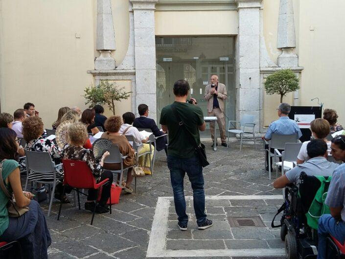 """Nunzio Cignarella presenta la lettura collettiva """"Leggere De Sanctis. Un viaggio elettorale"""", Avellino 25 agosto 2017."""