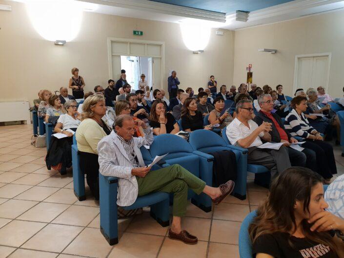 """Il pubblico alla lettura collettiva """"Leggere Valagare, un secolo di vita avellinese 1806-1906"""", Avellino 3 settembre 2019."""