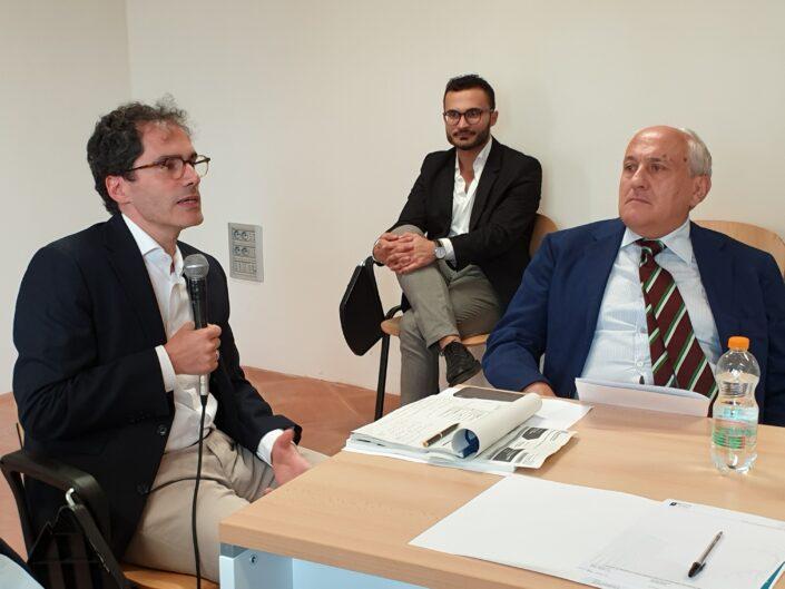 """Pier Luigi Petrillo e Domenico Carrieri alla prima edizione della Summer School """"Globalizzazione e sviluppo sostenibile"""", Castello di Gesualdo 6-7 settembre 2019."""