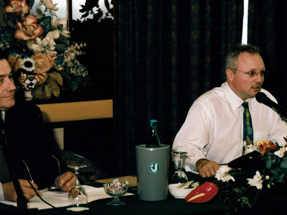 """Aldo Di Biasio e Peter Hicks al convegno """"Nelle province dell'impero"""", Avellino 10-13 aprile 2002."""