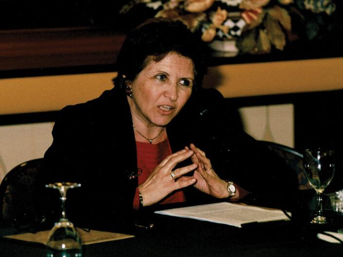 """Renata De Lorenzo al convegno """"Nelle province dell'impero"""", Avellino 10-13 aprile 2002."""