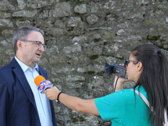 """Luigi Fiorentino intervistato durante la prima edizione della Summer School """"Globalizzazione e sviluppo sostenibile"""", Castello di Gesualdo 6-7 settembre 2019."""