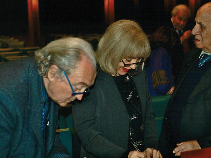 """Marziano Guglielminetti, Rosalba Galvagno e Dante Della Terza al convegno """"Ritratto di Carlo Muscetta"""", Avellino 6-8 aprile 2005."""