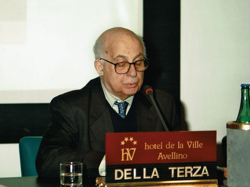 """Dante Della Terza al convegno """"Ritratto di Carlo Muscetta"""", Avellino 6-8 aprile 2005."""