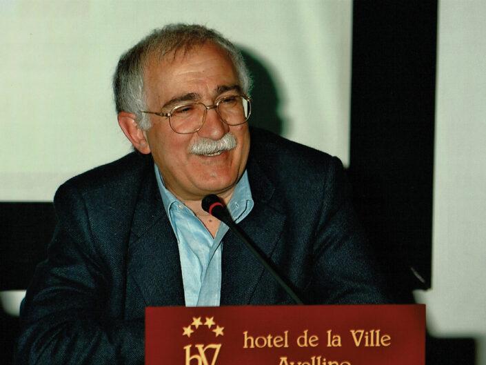 """Giulio Ferroni al convegno """"Ritratto di Carlo Muscetta"""", Avellino 6-8 aprile 2005."""