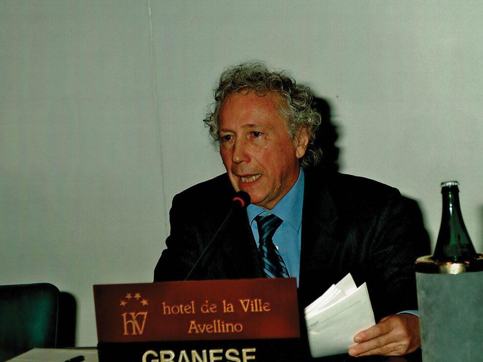 """Alberto Granese al convegno """"Ritratto di Carlo Muscetta"""", Avellino 6-8 aprile 2005."""