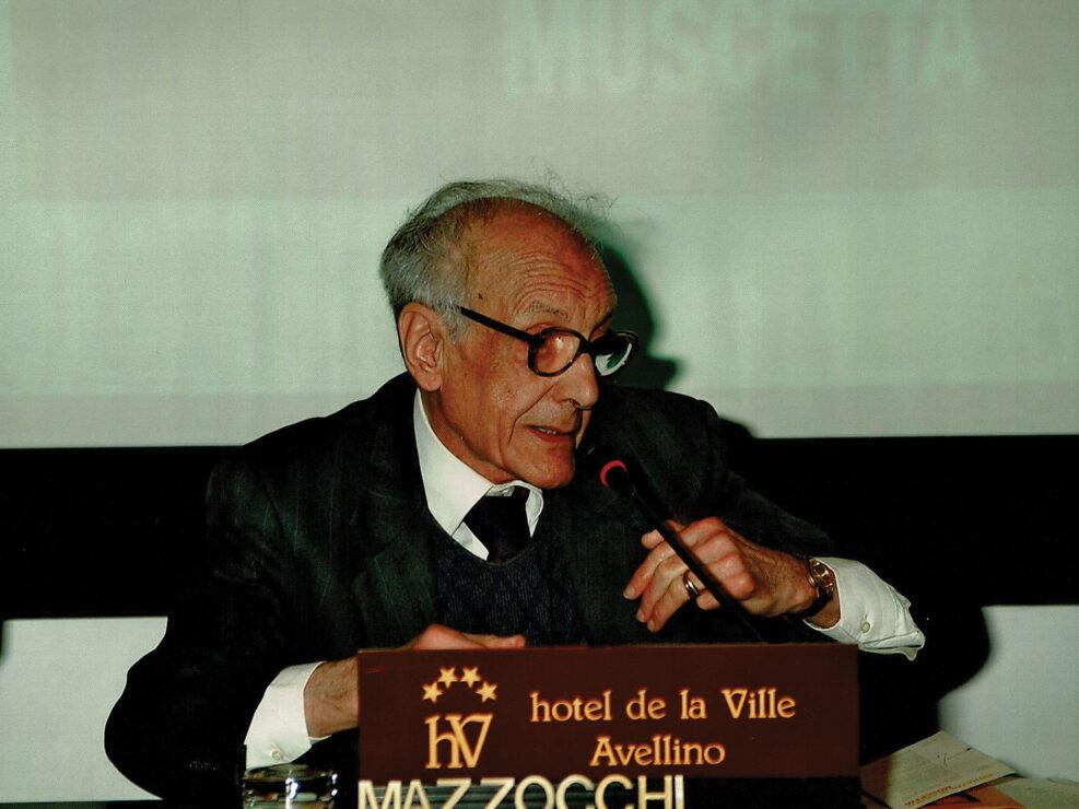 """Muzio Mazzocchi Alemanni al convegno """"Ritratto di Carlo Muscetta"""", Avellino 6-8 aprile 2005."""