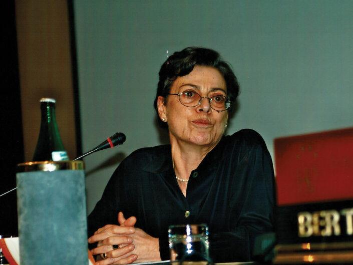 """Luisa Mangoni al convegno """"Ritratto di Carlo Muscetta"""", Avellino 6-8 aprile 2005."""