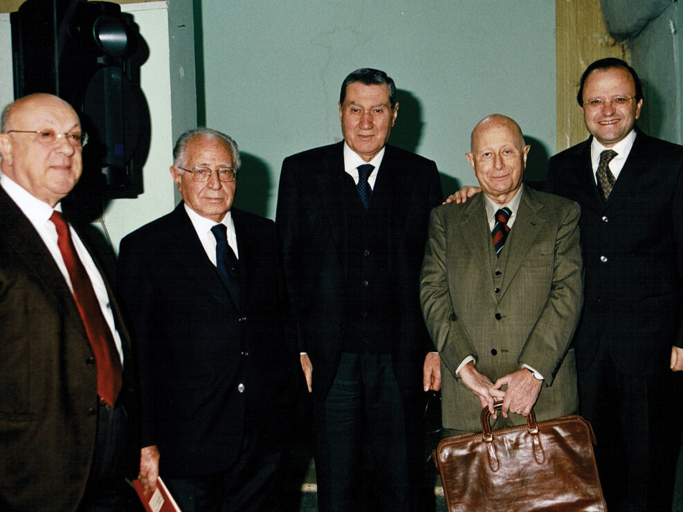 """Aldo Trione, Antonio Maccanico, Nicola Mancino, Ricciotti Antinolfi e Giuseppe Galasso al convegno """"A sessant'anni dal convegno di Bari"""", Avellino 18 dicembre 2004."""